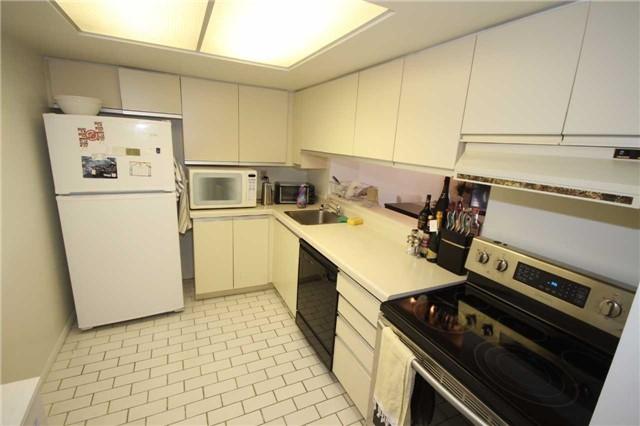 Condo Apartment at 701 King St W, Unit 914, Toronto, Ontario. Image 12