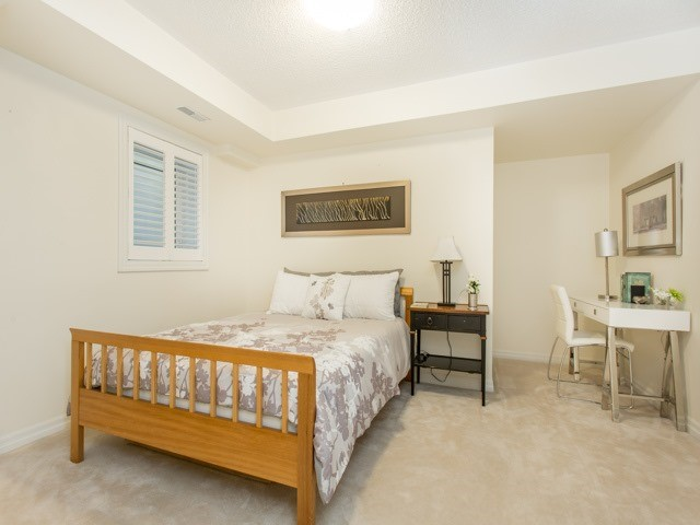 Condo Townhouse at 118 Finch Ave W, Unit 17, Toronto, Ontario. Image 2