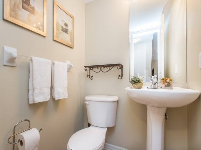 Condo Townhouse at 118 Finch Ave W, Unit 17, Toronto, Ontario. Image 7