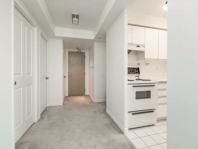 Condo Apartment at 942 Yonge St, Unit 701, Toronto, Ontario. Image 16