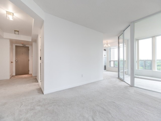 Condo Apartment at 942 Yonge St, Unit 701, Toronto, Ontario. Image 17