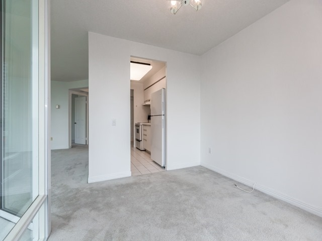 Condo Apartment at 942 Yonge St, Unit 701, Toronto, Ontario. Image 5