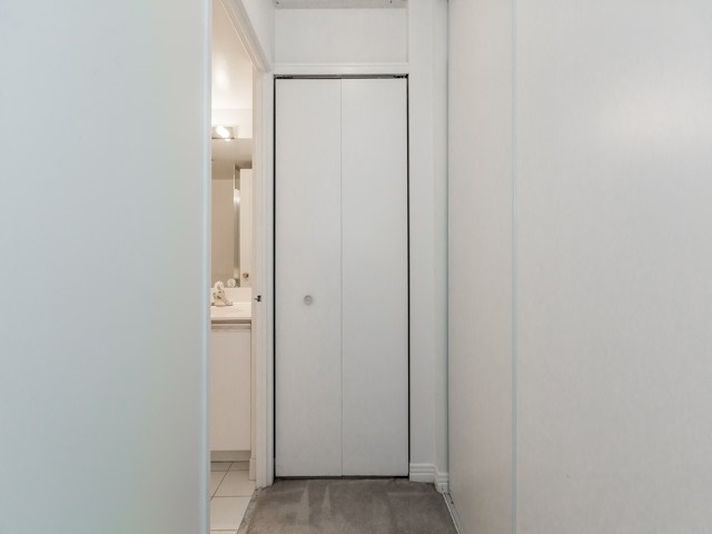 Condo Apartment at 942 Yonge St, Unit 701, Toronto, Ontario. Image 10