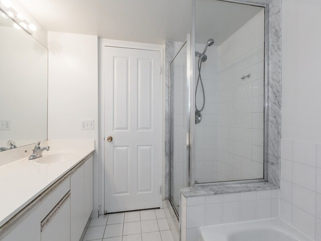Condo Apartment at 942 Yonge St, Unit 701, Toronto, Ontario. Image 13