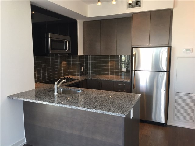 Condo Apartment at 89 Dunfield Ave, Unit 1705, Toronto, Ontario. Image 4