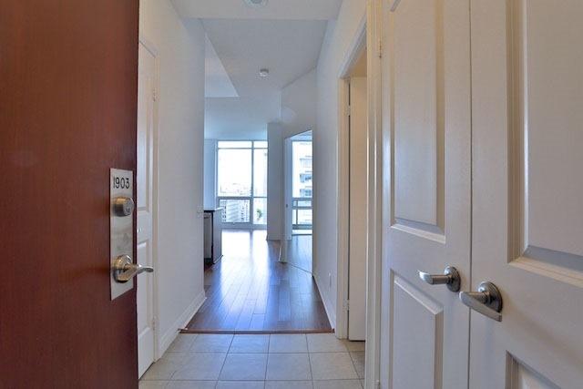 Condo Apartment at 1121 Bay St, Unit 1903, Toronto, Ontario. Image 14