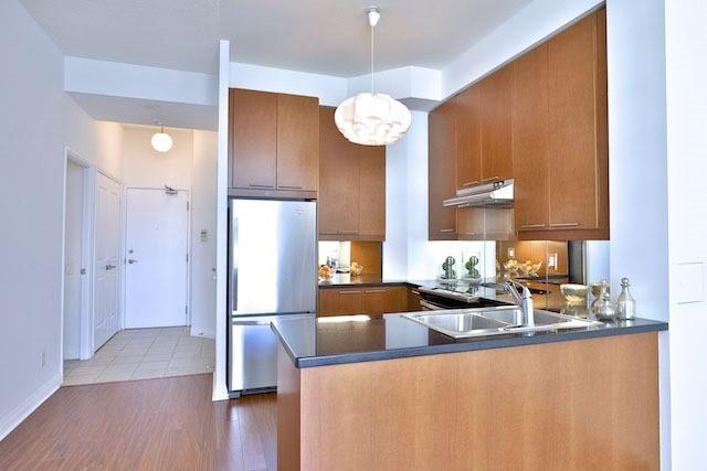 Condo Apartment at 1121 Bay St, Unit 1903, Toronto, Ontario. Image 15