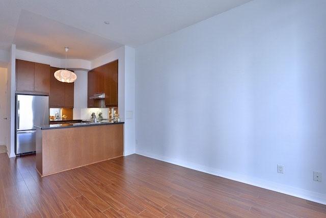 Condo Apartment at 1121 Bay St, Unit 1903, Toronto, Ontario. Image 18
