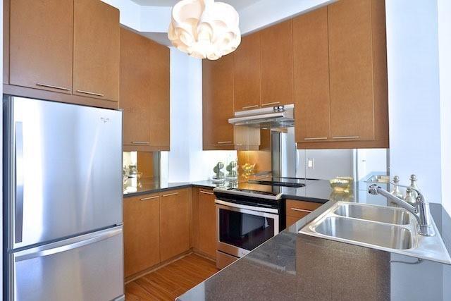 Condo Apartment at 1121 Bay St, Unit 1903, Toronto, Ontario. Image 19