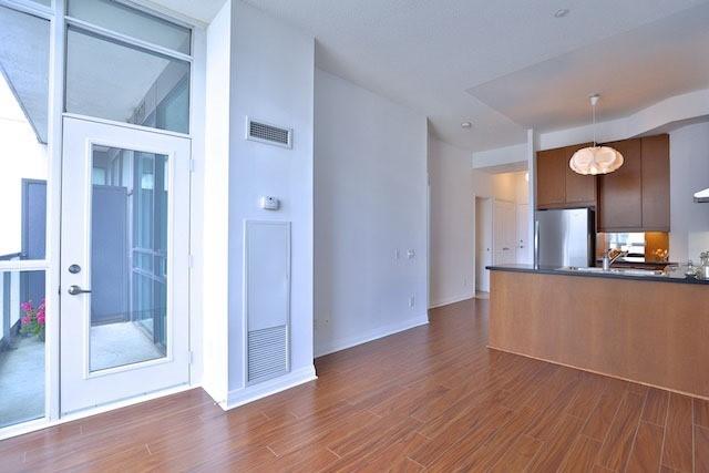 Condo Apartment at 1121 Bay St, Unit 1903, Toronto, Ontario. Image 2