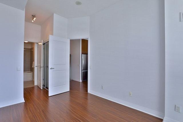 Condo Apartment at 1121 Bay St, Unit 1903, Toronto, Ontario. Image 6