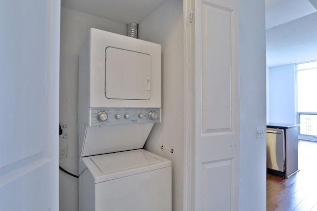 Condo Apartment at 1121 Bay St, Unit 1903, Toronto, Ontario. Image 9