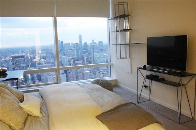 Condo Apartment at 180 University Ave, Unit 5804, Toronto, Ontario. Image 20