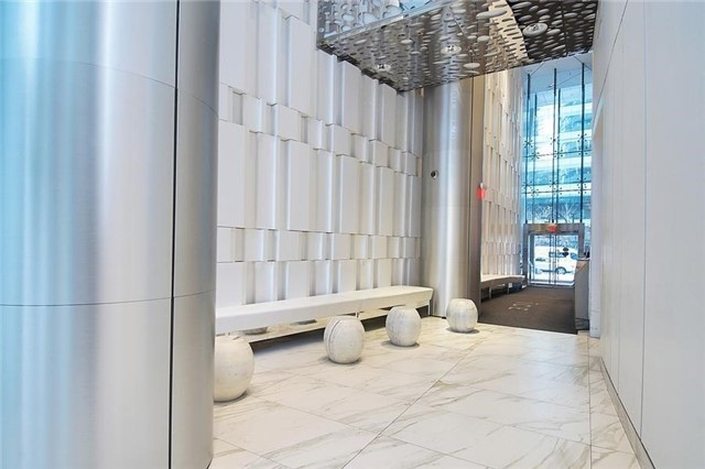 Condo Apartment at 14 York St, Unit 1001, Toronto, Ontario. Image 14