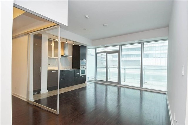 Condo Apartment at 14 York St, Unit 1001, Toronto, Ontario. Image 19
