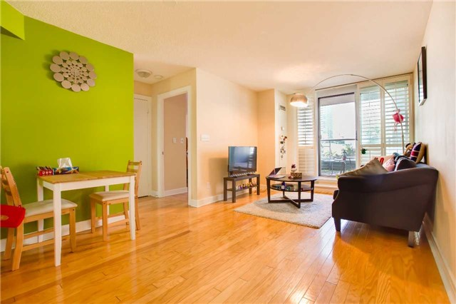 Condo Apartment at 16 Harrison Garden Blvd, Unit 201, Toronto, Ontario. Image 17