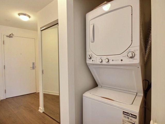 Condo Apartment at 51 East Liberty St, Unit 2217, Toronto, Ontario. Image 4