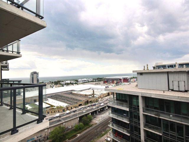 Condo Apartment at 51 East Liberty St, Unit 2217, Toronto, Ontario. Image 8