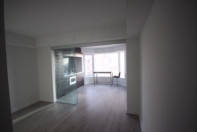 Condo Apartment at 155 Yorkville Ave, Unit 1916, Toronto, Ontario. Image 17