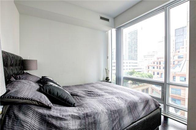 Condo Apartment at 15 Grenville St, Unit 603, Toronto, Ontario. Image 19