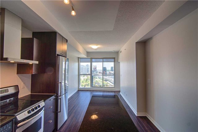 Condo Apartment at 51 East Liberty St, Unit 2110, Toronto, Ontario. Image 15