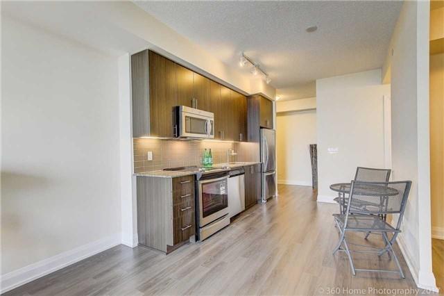 Condo Apartment at 18 Graydon Hall Dr, Unit 2401, Toronto, Ontario. Image 16