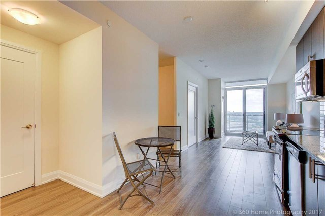 Condo Apartment at 18 Graydon Hall Dr, Unit 2401, Toronto, Ontario. Image 3
