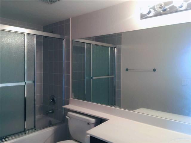 Condo Apartment at 509 Beecroft Rd, Unit 1806, Toronto, Ontario. Image 4