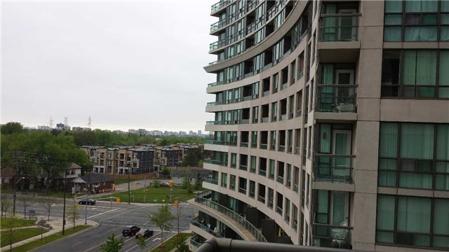 Condo Apartment at 503 Beecroft Rd, Unit 815, Toronto, Ontario. Image 4