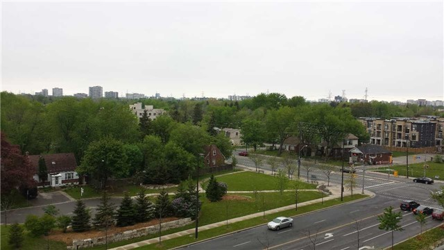 Condo Apartment at 503 Beecroft Rd, Unit 815, Toronto, Ontario. Image 10