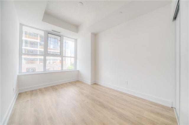 Condo Apartment at 150 Fairview Mall Dr, Unit 504, Toronto, Ontario. Image 2