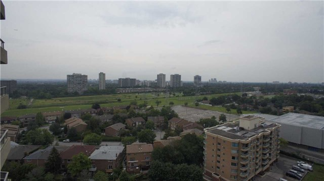 Condo Apartment at 10 Torresdale Ave, Unit 1810, Toronto, Ontario. Image 2