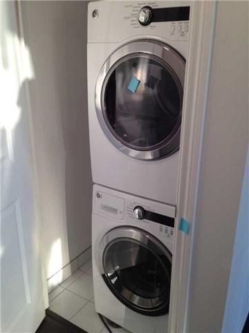 Condo Apartment at 386 Yonge St, Unit 4613, Toronto, Ontario. Image 4