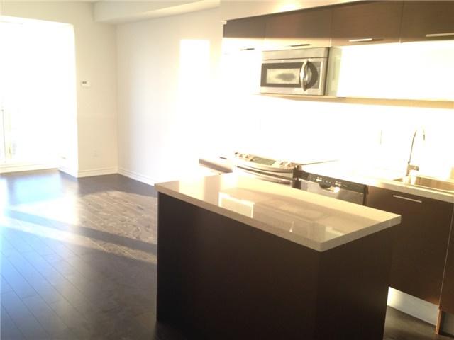 Condo Apartment at 386 Yonge St, Unit 4613, Toronto, Ontario. Image 5