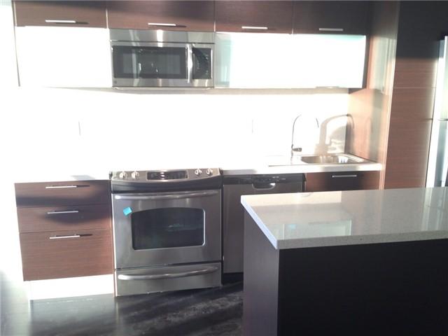 Condo Apartment at 386 Yonge St, Unit 4613, Toronto, Ontario. Image 6