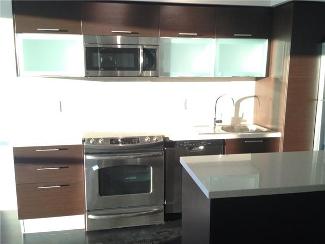 Condo Apartment at 386 Yonge St, Unit 4613, Toronto, Ontario. Image 7