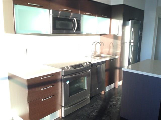 Condo Apartment at 386 Yonge St, Unit 4613, Toronto, Ontario. Image 8