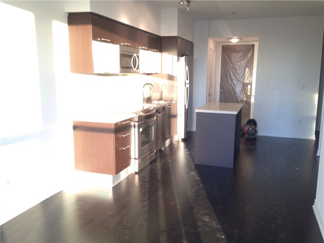 Condo Apartment at 386 Yonge St, Unit 4613, Toronto, Ontario. Image 11