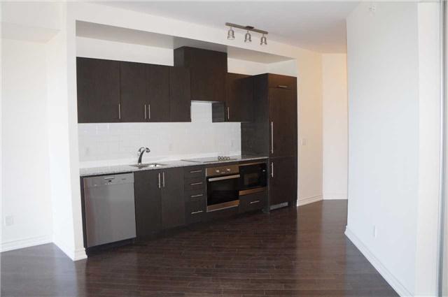 Condo Apartment at 23 Glebe Rd, Unit 401, Toronto, Ontario. Image 4