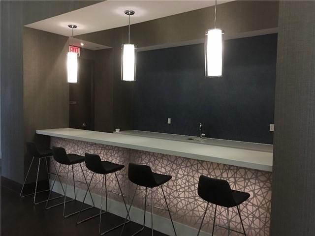 Condo Apartment at 23 Glebe Rd, Unit 401, Toronto, Ontario. Image 9