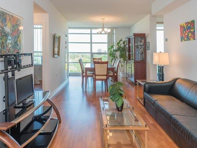 Condo Apartment at 3830 Bathurst St, Unit 804, Toronto, Ontario. Image 12