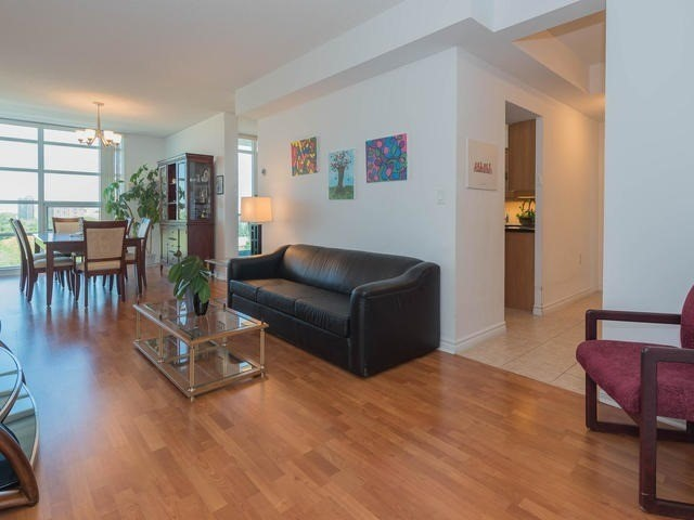 Condo Apartment at 3830 Bathurst St, Unit 804, Toronto, Ontario. Image 14