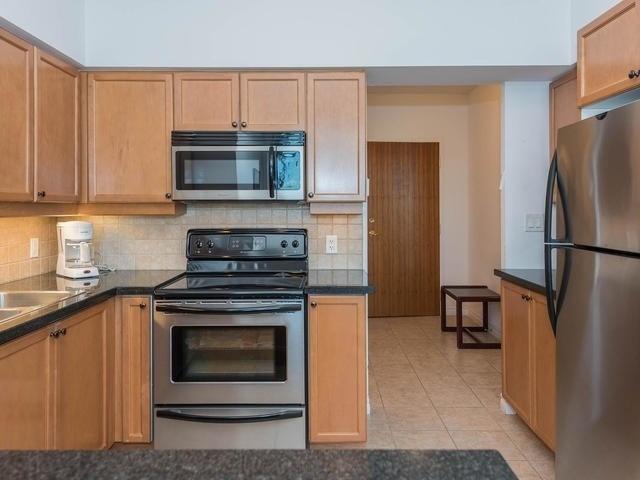 Condo Apartment at 3830 Bathurst St, Unit 804, Toronto, Ontario. Image 17