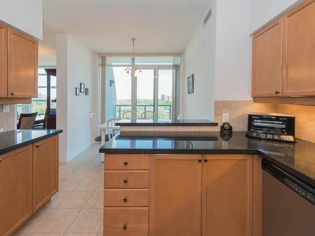 Condo Apartment at 3830 Bathurst St, Unit 804, Toronto, Ontario. Image 19