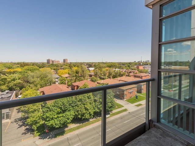 Condo Apartment at 3830 Bathurst St, Unit 804, Toronto, Ontario. Image 2