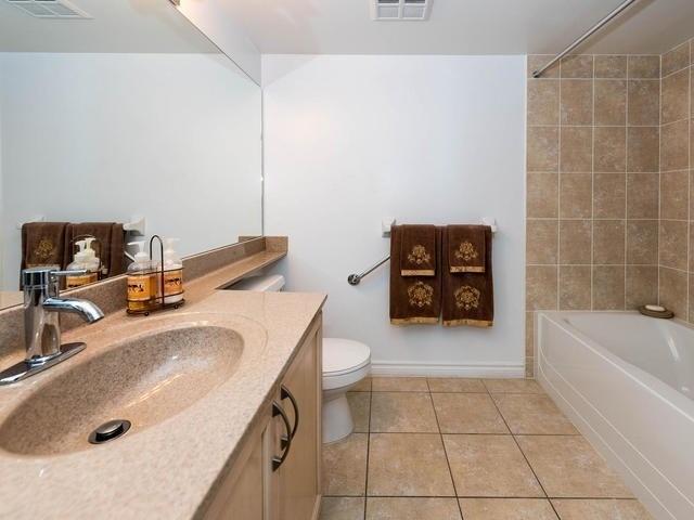 Condo Apartment at 3830 Bathurst St, Unit 804, Toronto, Ontario. Image 5
