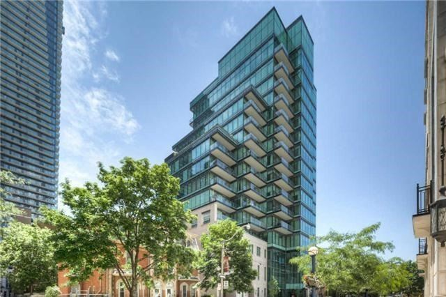 Condo Apartment at 77 Charles St W, Unit 904, Toronto, Ontario. Image 1