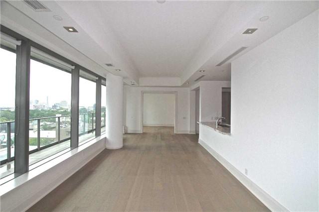 Condo Apartment at 77 Charles St W, Unit 904, Toronto, Ontario. Image 10