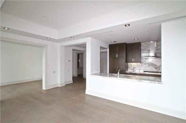 Condo Apartment at 77 Charles St W, Unit 904, Toronto, Ontario. Image 14