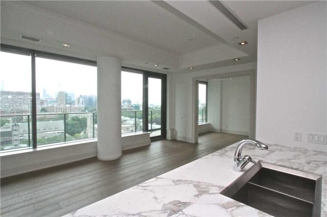 Condo Apartment at 77 Charles St W, Unit 904, Toronto, Ontario. Image 15